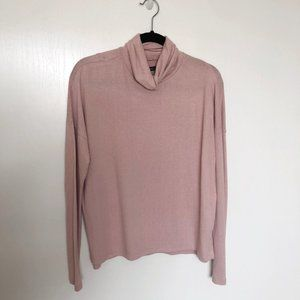 A&F Super soft and cozy pink turtle neck